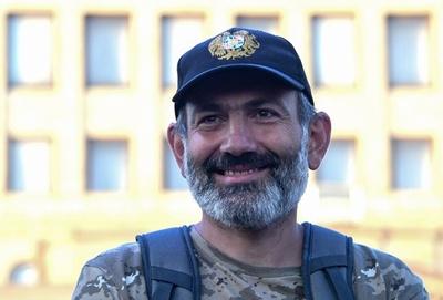 アルメニア野党指導者「自身が唯一の首相候補」と訴え