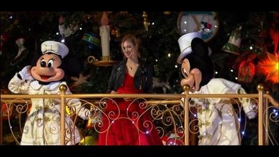 動画:ミッキーマウス生誕90周年に、キアラ・フェラーニ登場