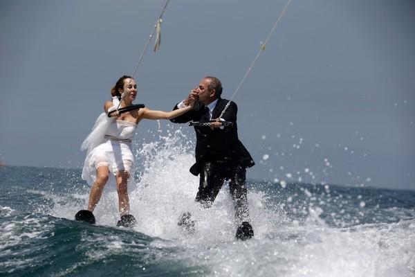 ハネムーンは水上スキーでどこまでも  レバノン