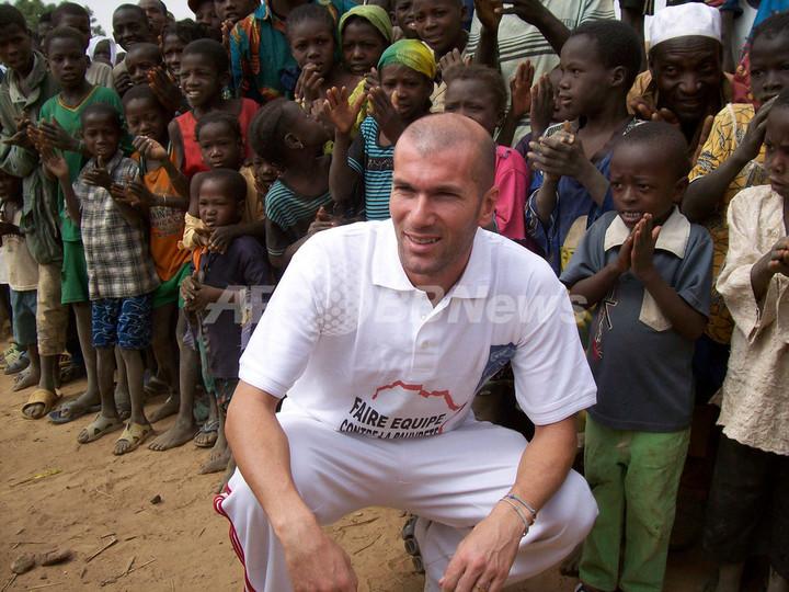 ジダン氏 ニジェールを訪れ貧困問題に取り組む