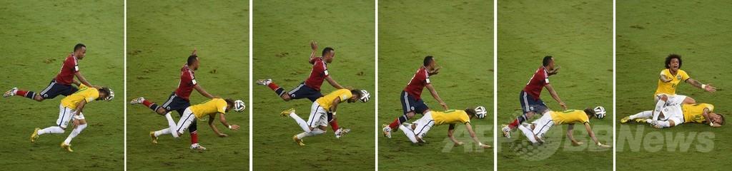 ネイマールを負傷させたスニガに処分の可能性、FIFA
