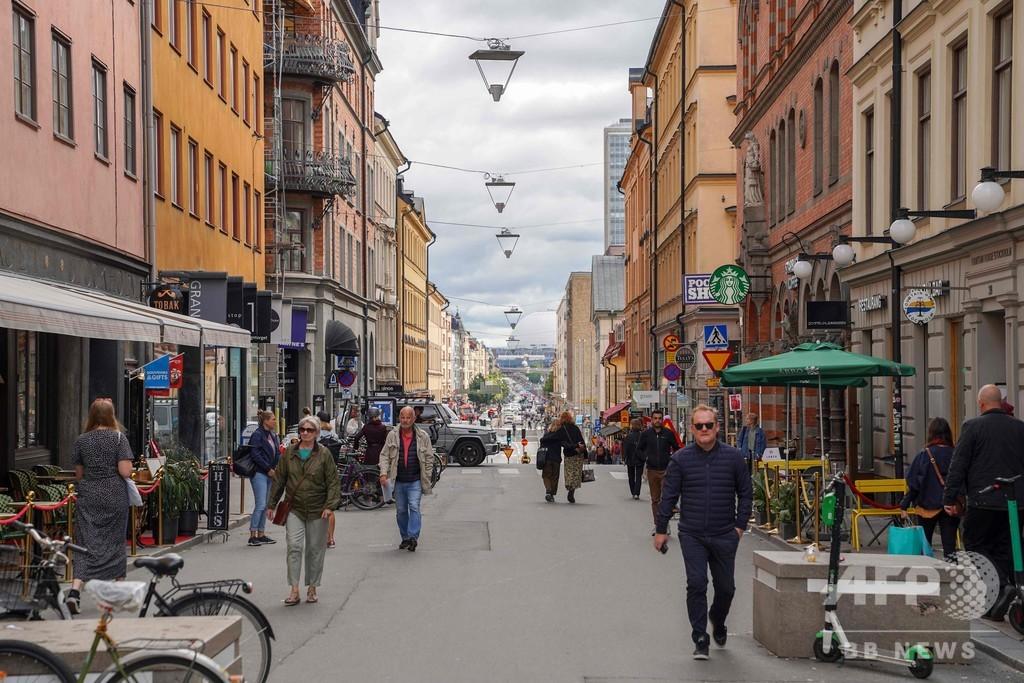 マスク着用に「ノー」を貫く、スウェーデンの新型コロナ対策
