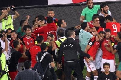 サラーがロシアへ導く2得点、劇的勝利のエジプトが7大会ぶりW杯出場