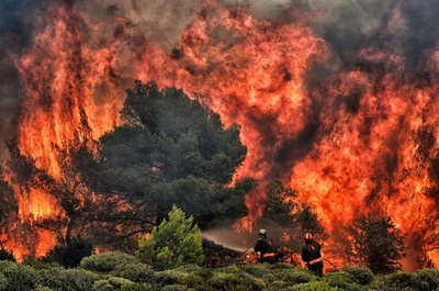 ギリシャ山火事、死者74人に リゾート地の町「もはや存在しない」