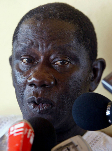 政府の実力者を更迭、国内では依然ゼネスト発生の恐れ - ギニア