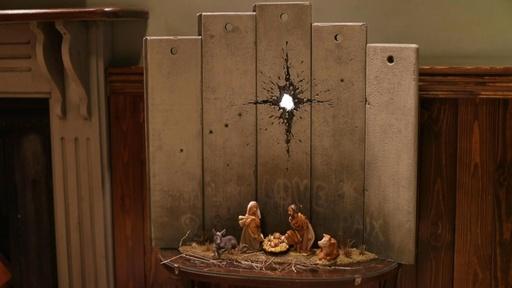 動画:ベツレヘムにバンクシーの新作登場、分断の壁を背にキリストの生誕シーン