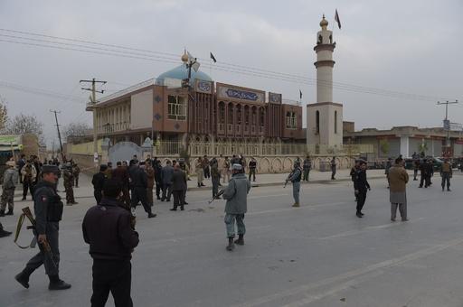 アフガン首都のシーア派モスクで自爆攻撃、27人死亡 ISが声明