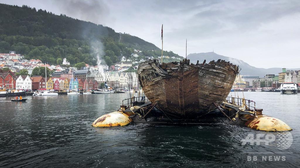 探検家アムンゼンの船、沈没経て100年ぶりに帰還 ノルウェー
