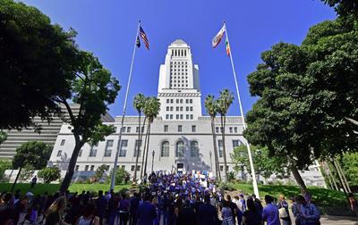 米LA市庁舎にネズミが大発生! チフスの被害訴える声も