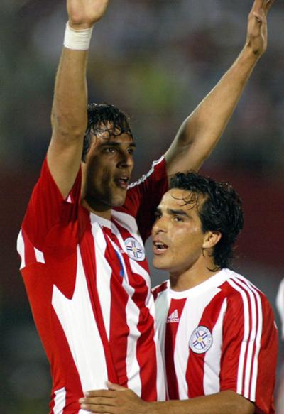 パラグアイ エクアドル降しW杯南米予選2勝目