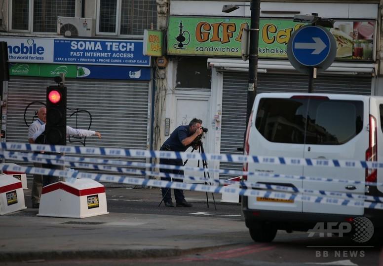 ロンドン、モスク近くでイスラム教徒に車両突入 首相「テロの可能性」