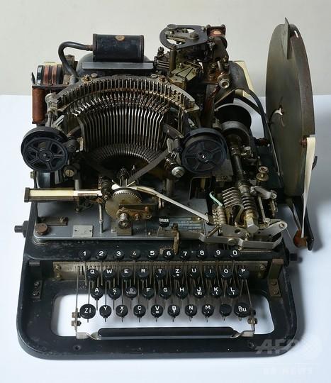 ナチス暗号機をイーベイで発見、1600円で落札 英博物館