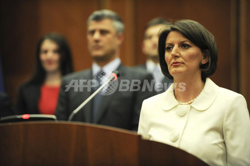 コソボ、新大統領は36歳のヤヒヤガ氏