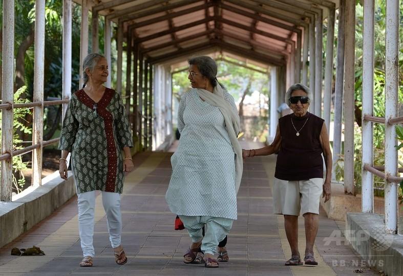 インドで子供の世話にならない高齢者が増加
