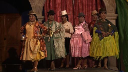 動画:ボリビア伝統衣装で女装する 「ミス・チョリータ・トランス」 コンテスト