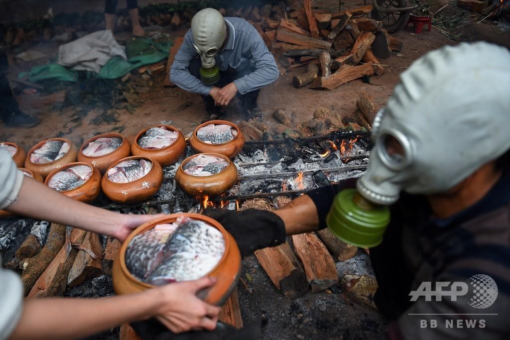 【今日の1枚】有毒ガスは出ないけれど…ガスマスク必須の人気料理