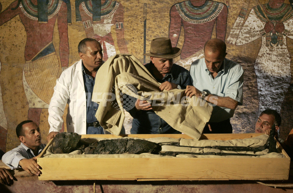 ツタンカーメン王のミイラ、自然発火で燃えていた 英研究