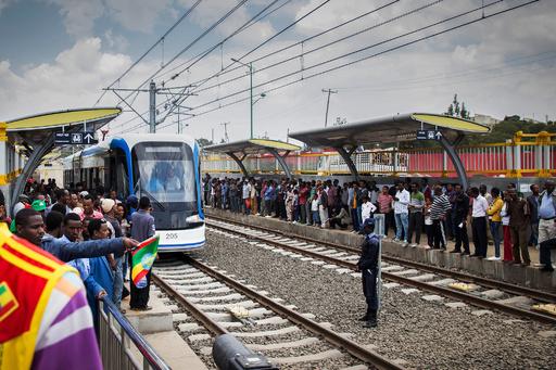 エチオピア首都で路面電車開業、中国の大規模な出資で完成