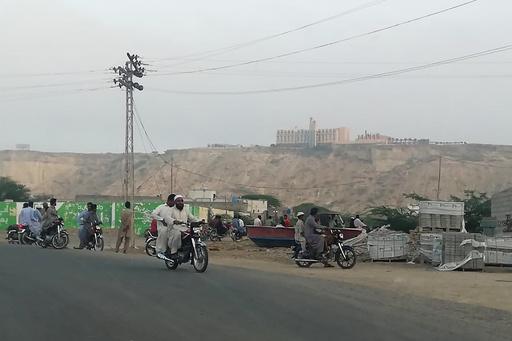 パキスタンで武装集団が五つ星ホテル襲撃、中国が支援する大規模開発の中核地