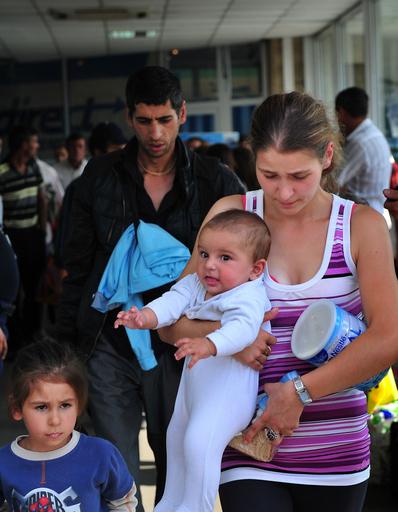仏政府、ロマ人の強制送還を開始