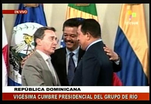 エクアドル大統領「問題は解決」、コロンビアとの関係正常化へ