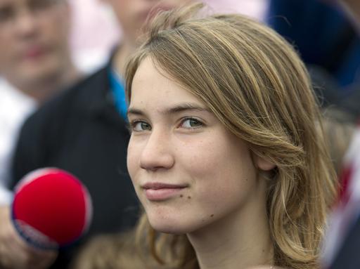 オランダの14歳少女、晴れて単独世界一周航海に出航