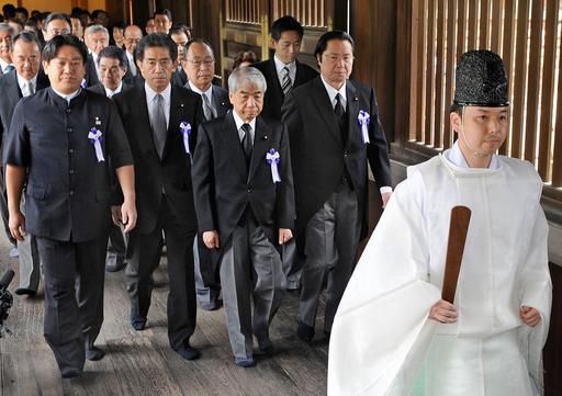 安倍元首相ら靖国神社参拝