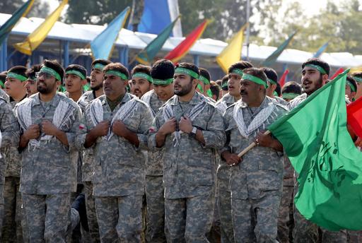 イランの治安部隊員ら3人、「暴徒」に刺殺される 首都テヘラン