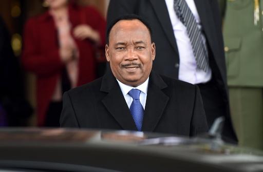 ニジェール大統領、「クーデターを阻止」と発表