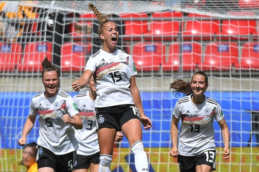 若手躍動のドイツ白星発進、中国の悪質プレーに苦言も 女子W杯