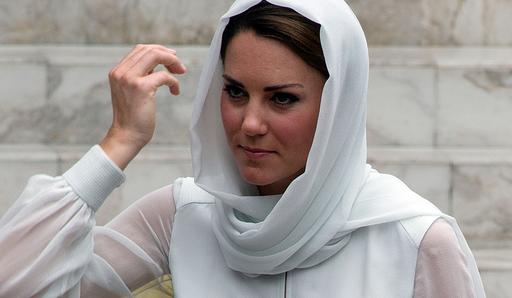 英キャサリン妃のトップレス写真、仏誌が掲載 夫妻で休暇中のもの