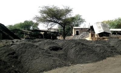 ザンビアの中国炭鉱、免許剥奪 安全・環境に問題