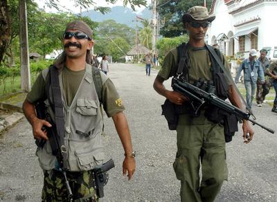多国籍治安部隊、反政府組織指導者の潜伏場所を包囲 - 東ティモール