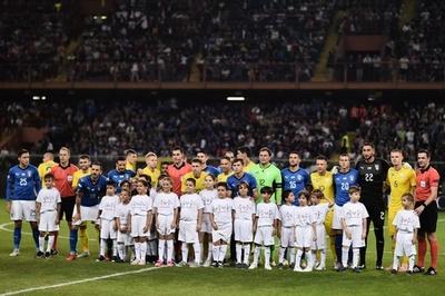イタリアはウクライナとドロー、崩落事故の追悼で43分に試合中断