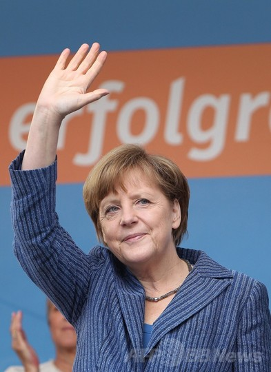 欧州議会選挙、ドイツはメルケル首相の保守系与党が勝利
