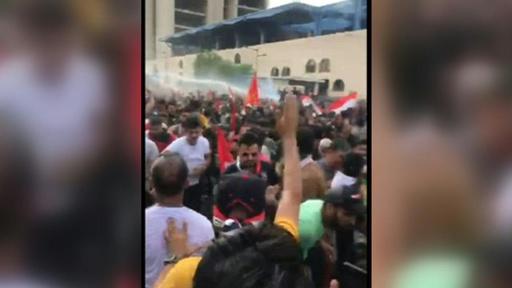 動画:イラクで大規模抗議デモ 2人死亡、負傷者200人超