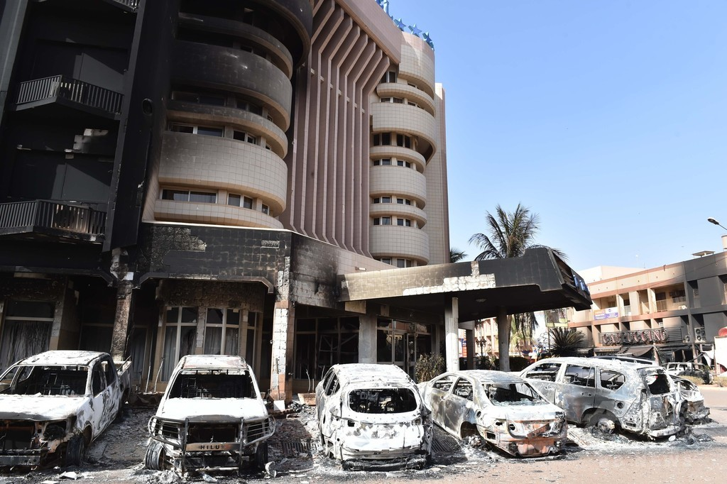 ブルキナファソのホテル襲撃事件、死者29人に