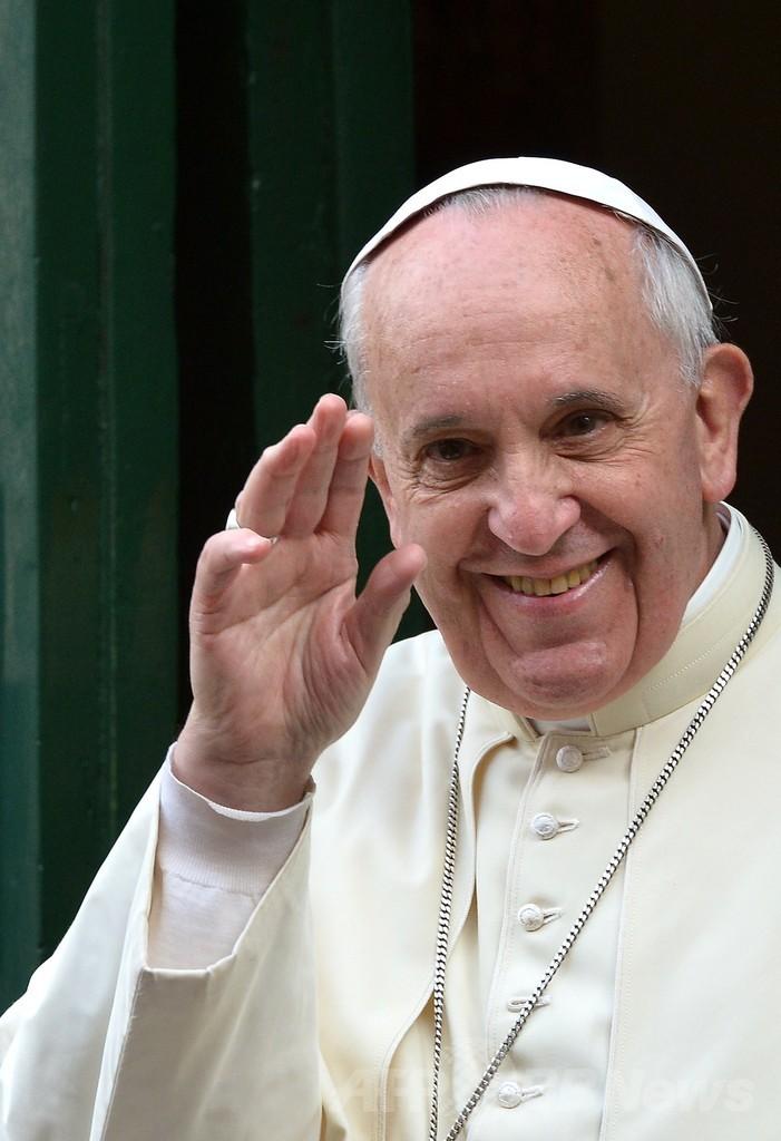 留守番電話に「法王です」、修道女びっくり仰天 スペイン