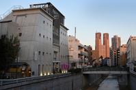 威風堂々たるコンクリート神社 地域に根付き20年 東京