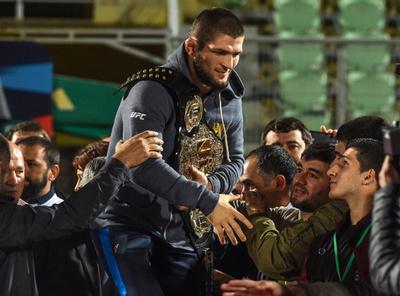 ヌルマゴメドフ、UFC離脱も辞さない構え チームメートが解雇危機