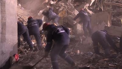 動画:ロシア・住居ビル爆発事故 死者28人に 生存者の捜索続く