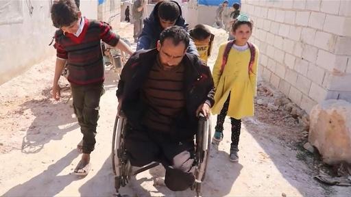 動画:両脚両目も失った…体に刻まれる「紛争の地図」 シリア内戦10年目