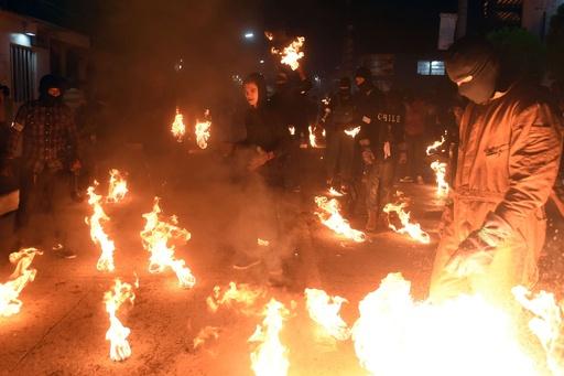 街中が火に包まれる「火の玉祭り」、エルサルバドル