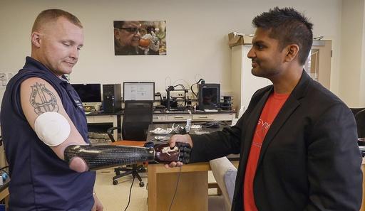 「第2の皮膚」 義手で触覚を再現する最新バーチャル技術