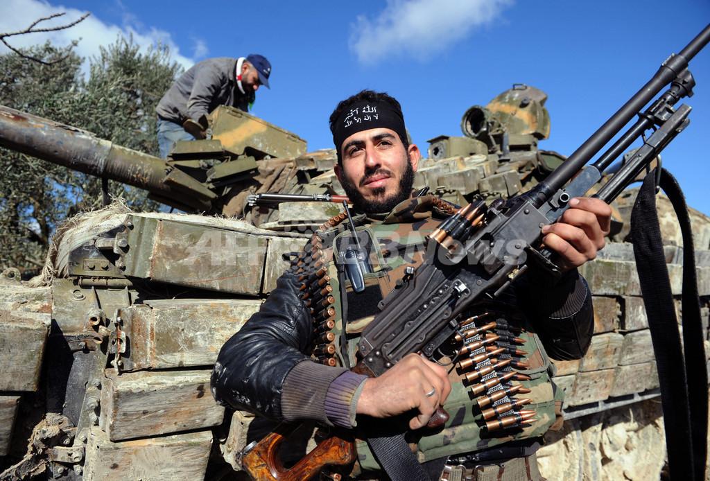 イスラエル、シリア空爆を暗に認める
