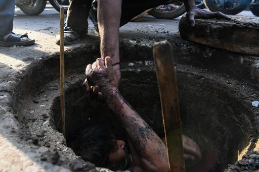 ホテルで汚水処理タンク清掃、7人が窒息死 インド