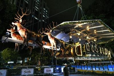 地上45mの空中レストラン「サンタ・イン・ザ・スカイ」 マレーシア