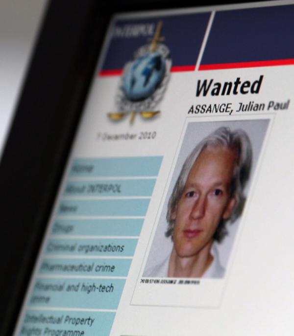 ウィキリークス支持者がサイバー攻撃か