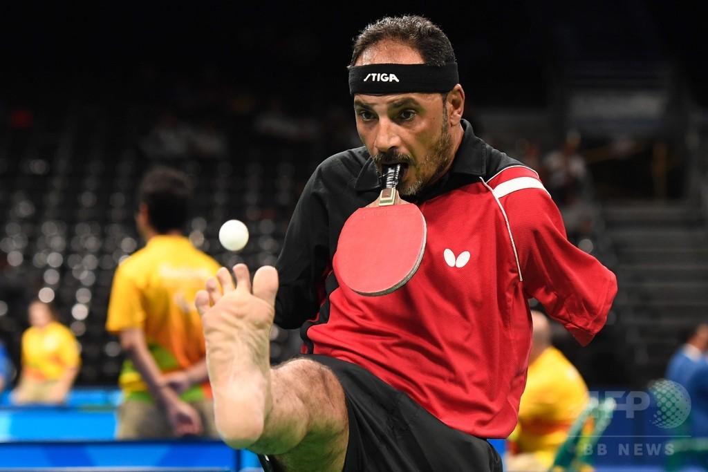 両腕のないエジプトの卓球選手、離れ業でリオ・パラリンピックを席巻