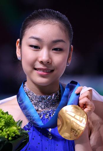 浅田は銀メダル キム・ヨナが金、バンクーバー冬季五輪